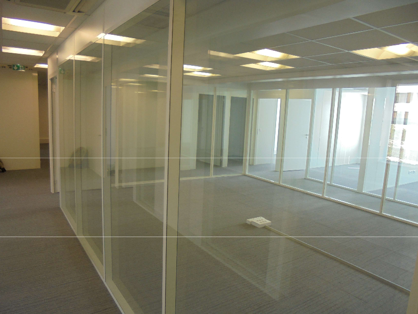 Photo des bureaux aménagés pour l'Agence de Biomédecine à Montrouge
