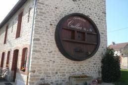 Facade tonneau maison champagne Cuillier Père et Fils