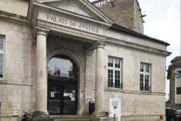 Photo de l'entrée du Palais de Justice de Chaumont